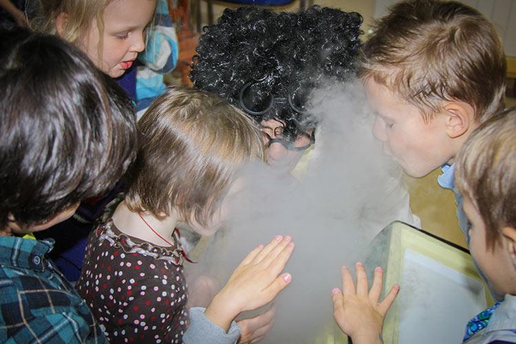 Химическое шоу с сухим льдом