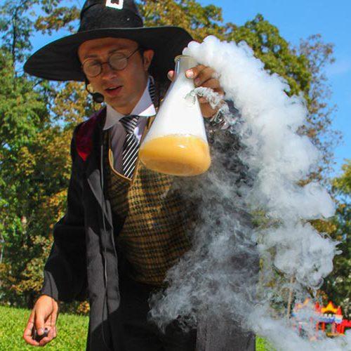 Химическое шоу в парке