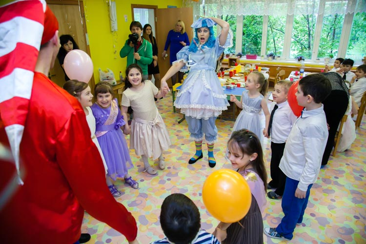 Детский праздник для мальчиков и девочек